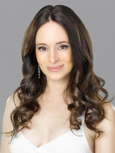 """Revenge (TV show) Madeleine Stowe as Victoria Grayson.not a guy and after season 1 of """"Revenge,"""" is she even bad! Madeleine Stowe, World Most Beautiful Woman, World's Most Beautiful, Beautiful Ladies, Absolutely Gorgeous, Revenge Show, Revenge Series, Tv Series, Victoria Grayson"""