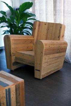 Un banc qui se transforme en table de picnic jardin - Fauteuil de jardin en palette ...
