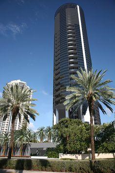 Barnes Miami - Porsche Design Tower - achat - vente - location -; agence immobiliere luxe miami - Barnes International - Miami - investir miami - s'expatrier a miami - s'installer en; Floride - agence immobilière de luxe -; gestion - investissements -; achat neufs sur plan - programme neuf