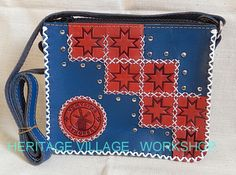 Удмуртия . Сумка ручной работы выполненная в стиле кожаной жатки из тонкой овечьей кожи декорированная тиснением по теме музея-заповедника Лудорвай (Удмуртия). #удмуртия , #музей_лудорвай , #udmurtia , #ludorvay , #leather_bags , #leathercraft , #удмуртский_орнамент , #мельница