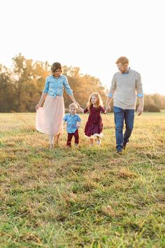what to wear to your family session // family photography, family photos, family lifestyle, family photo outfits, holiday card inspiration, fall family portraits, four corners photography fall mini session 2017 hall family-49.jpg