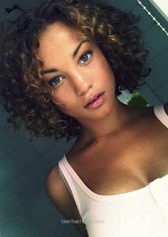 15 Easy Hairstyles for Short Curly Hair gekämmt Mornings 15 Easy Hairstyles for Short Curly Hair Medium Short Hair, Short Hair With Bangs, Curly Hair Cuts, Short Hair Cuts For Women, Medium Hair Cuts, Curly Bob Hairstyles, Short Curly Hair, Black Women Hairstyles, Bob Haircuts For Women