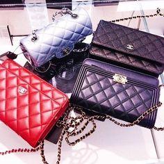 😘🍸💍 #chanel #bag #chanelbag #style #fashion #moda #fashionblog #blog #carolinebeltrame.com.br #trendy #fashionista #blogger #glam #acessory #acessoried #brasil #pink #blogueirassaopaulo #blogueirasbrasil #influencersbrasil #osasco #saopaulo #trendy #tendencia #sapato #sapatos #shoe #shoes . . . . . . www.carolinebeltrame.com.br