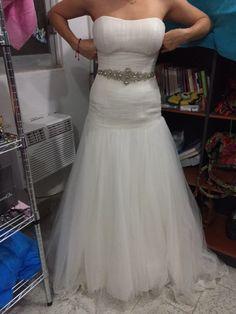 ¡Nuevo vestido publicado!  HERMOSO VESTIDO DE NOVIA!!! ¡por sólo $10000! ¡Ahorra un 38%!   http://www.weddalia.com/mx/tienda-vender-vestido-de-novia/eduardo-nieves-t2-4-4/ #VestidosDeNovia vía www.weddalia.com/mx