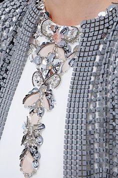notordinaryfashion:  Chanel Haute Couture  Bonjour,nous sommes Katarina et Violeta. Nous adorons la mode