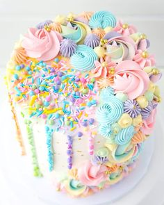 Isnt this pastel rainbow cake by just incredibly fantastic? I think it would be my baby girls dream cake! Were celebrating her birthday today, so this share us for her 💙💚💛🧡❤️💜⠀⠀⠀⠀⠀⠀⠀⠀⠀ . Pretty Cakes, Beautiful Cakes, Amazing Cakes, Pastel Cakes, Colorful Cakes, Frozen Birthday Party, Birthday Cake Girls, Colorful Birthday Cake, Rainbow Birthday Cakes
