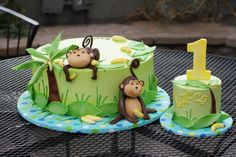 Monkey jungle birthday cake with matching smash cake