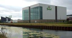 Tukkers zijn trots op hun bier. In de Grolsch fabriek in Enschede is het mogelijk om een rondleiding/bierproeverij te doen.