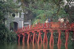 Hoan Kiem Lake | Vietnam