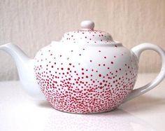 Large tea-pot made of real Limoges porcelain ruby by EMAtelier Art Nouveau, Art Deco, Porcelain Dinnerware, Porcelain Ceramics, Painted Porcelain, Pottery Painting, Ceramic Painting, Carpe Diem, Diy Painted Vases
