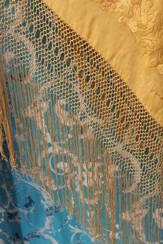 MIL ANUNCIOS.COM - Mantón de Manila antiguo color dorado