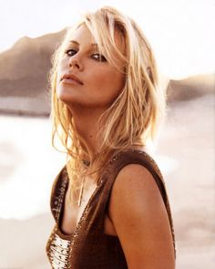 Charlize Theron - Can I look like her PLEASE ! ! Totally one of 0d1802ebf28