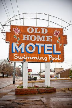 Old Home Motel Sign