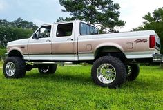 She don't look too bad for a work truck #americanforce #obs #powerstroke