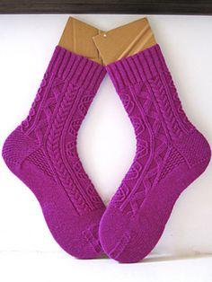 Ravelry: Wastl pattern by General Hogbuffer Loom Knitting, Knitting Stitches, Knitting Socks, Hand Knitting, Knitting Patterns Free, Free Pattern, Crochet Socks, Knitted Slippers, Slipper Socks