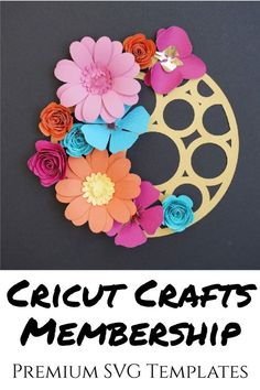 Easy Cricut paper flower SVG patterns for cardstock paper flowers, great for DIY home decor and other craft projects Flower Svg, Flower Template, Easy Projects, Craft Projects, How To Use Cricut, Diy Paper, Cricut Design, Cutting Files, Paper Flowers