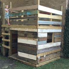 Reclaimed wood playhouse/fort #outsideplayhouse