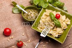 For stock photo buyers: talian Pasta - Farfalle With Pesto di eZeePics Studio, foto stock royalty free #49338412 su Fotolia.com