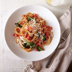 One-Pot Pasta with Spinach and Tomatoes | MyRecipes