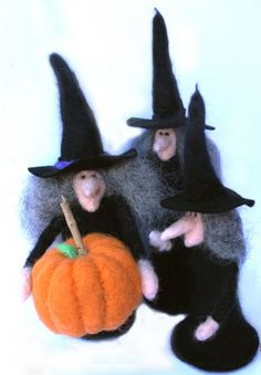 Witchy - poo felting dall tutorial, so cute wish I could make these!thought you might like these @Alison Reaston  Yes, I like the self portrait idea.
