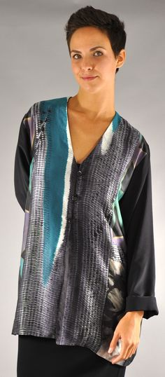 Textile Fabrics, Textile Art, Unique Outfits, Wabi Sabi, Silk Scarves, Shibori, Pattern Making, Clothing Patterns, Wearable Art
