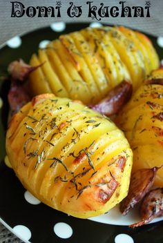 hasselback potatoes Vegetarian Recipes, Cooking Recipes, Healthy Recipes, Healthy Meals, Batata Potato, Fruit Recipes, Appetizer Recipes, Good Food, Yummy Food