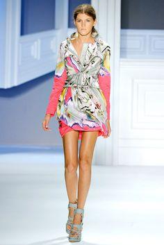 Vera Wang Spring 2012 Ready-to-Wear Fashion Show - Valery Ka