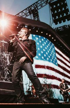 Into the arms of America Best Rock Bands, Cool Bands, U2 Live, Paul Hewson, Bono U2, Larry Mullen Jr, Much Music, Usa Trip, Soundtrack To My Life