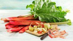 So zberom rebarbory sa radšej poponáhľajte a úrodu uskladnite. Celery, Green Beans, Carrots, Vegetables, Food, Carrot, Meal, Eten, Vegetable Recipes