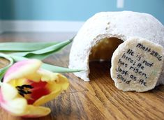 Try this Salt Dough Tomb and other easy Easter Crafts Ideas with your kids via FaithfulProvisions.com