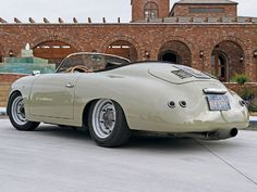 ღღ Porsche Speedster Frenzy Intermeccanica Rear View