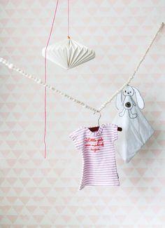 roze behang meisjeskamer Onszelf