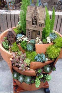 How To Make A Miniature Fairy Garden (Step-by-Step) (VIDEO) #Garden #Gardening