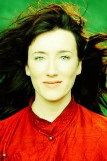 We caught up with Maria Doyle Kennedy to chat about her great new album Sing