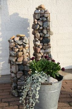 46 rock garden ideas landscaping for make your garden look beautiful 34 FieltroNet Diy Jardin, Garden Projects, Garden Ideas, Garden Tips, Dream Garden, Yard Art, Garden Paths, Backyard Landscaping, Backyard Ideas