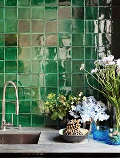 green glass tiles interior designed by Karl Fournier and Olivier Marty of the Paris and Marrakesh based design firm Studio Ko Green Kitchen, New Kitchen, Kitchen Interior, Interior And Exterior, Kitchen Decor, Green Interior Design, Kitchen Design, Sweet Home, Green Rooms