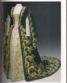 Russian court dress of lady in waiting -late 19th -20th century.. this reminds me of Scarlett's gwtw vanity robe