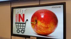 Akcja w sklepach Tesco i Alma zachęcająca do kupowania polskich jabłek.