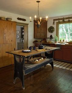 primtive kitchen island | Prim Kitchen...table/island. | Primitive Gatherings There's that table style i love!!