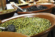 """Dijous Bo - der gute Donnerstag"" nennt sich der alljährlich am dritten Donnerstag im November stattfindende Markt in Inca. November, Beans, Vegetables, Food, Travel, Thursday, Majorca, November Born, Beans Recipes"
