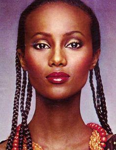 black women models just waking Vintage Makeup Ads, 70s Makeup, Retro Makeup, Lots Of Makeup, Vintage Ads, Vintage Style, Iman Model, Supermodel Iman, Vintage Black Glamour