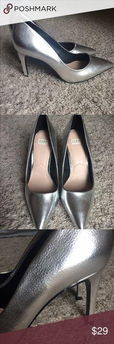 Trafaluc silver metallic pointed pumps Never worn, no box Zara Shoes Heels