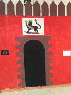 La Puerta del León del Alcázar vista por los más pequeños
