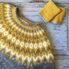Riddari When colours go together. Fair Isle Knitting, Baby Knitting, Knitting Patterns Free, Knit Patterns, Icelandic Sweaters, Knit Sweaters, Norwegian Knitting, How To Purl Knit, Hand Dyed Yarn