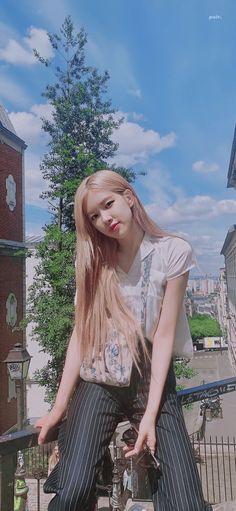 Hiim ♥ Blackpink Photos, Rose Photos, Kpop Girl Groups, Kpop Girls, Rose And Rosie, Rose Bonbon, Rose Icon, Rose Park, 1 Rose
