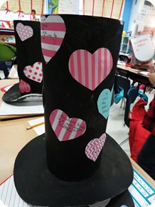 Lincoln's Hat as a Valentine's Mailbox    Perfect ideas since it is hard to find time to fit in both holidays!