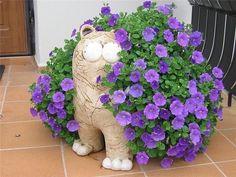 (17) Одноклассники Outdoor Planters, Outdoor Gardens, Outdoor Decor, Face Planters, Indoor Trees, Concrete Crafts, Natural Home Decor, Paper Clay, Petunias
