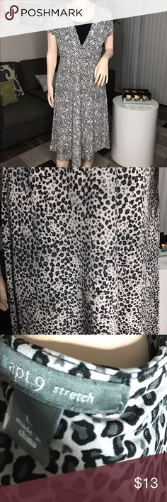 Apt. 9 stretch dress ☺️ No rips or stains | ✨Great Condition 📬SAME DAY SHIPPING • Size: Large • Cute cheetah print pattern.💕 Apt. 9 Dresses