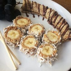 Got your chopsticks? Cause we're making sushi! Nut Butter-Banana Sushi that is. Just roll out some Dave's Killer Bread with a rolling pin, and wrap around nut butter, jelly and a banana. Add a little coconut and call it the Justin's + Dave's Specialty Roll. No wasabi required.