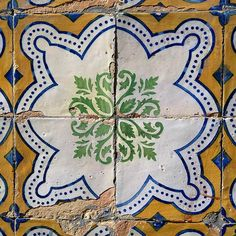 Great #tiles of #Lisbon #azulejos #Portugal in detail @TileAddiction @visitportugal